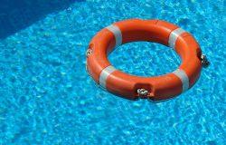 בריכות שחייה עיליות
